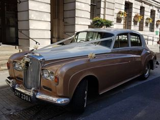 Company Announces Vintage Car Hire for Weddings